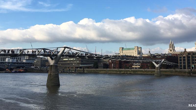 MILLENNIUM BRIDGE - LONDRES - READNFLY.COM